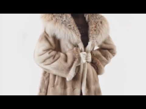 Компания «Меховая королева» приглашает на летнюю распродажу русских шуб в Армавире