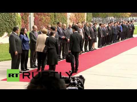 Germany: Merkel greets Chinese Premier Li Keqiang