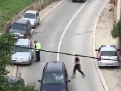Saobraćajna policija uhvaćena u uzimanju mita