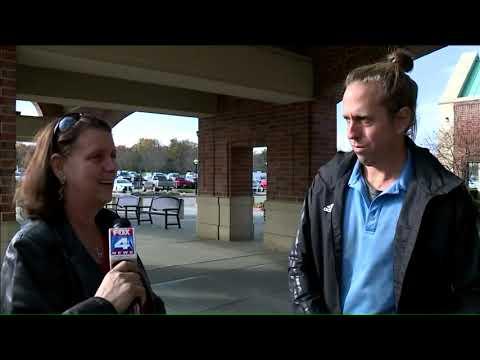 Valet Worker At St. Joseph Medical Center Receives Pay-It-Forward Award