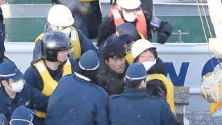 北朝鮮船の3船員逮捕 道警、松前小島での窃盗容疑 (2017/12/09)北海道新聞