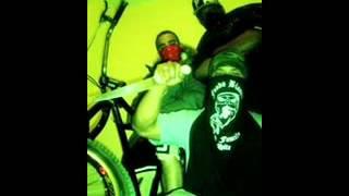 Mas Que Real - Fondo Blanco ft Crack Family