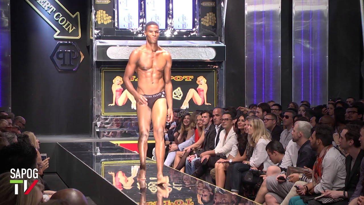 chisto-russkaya-polugolie-modeli-na-modnom-podiume-video-porno