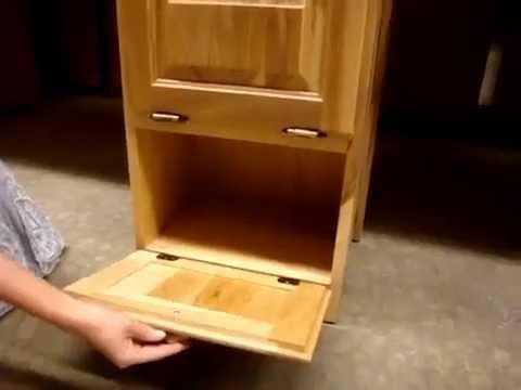 Amish Made Oak Wood Bread Bin - Wheat Design