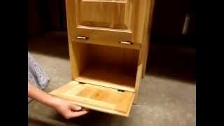 Amish Made Oak Wood Bread Bin - Wheat Design