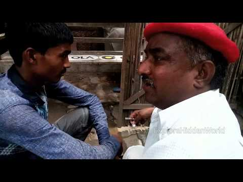 Odd jobs : Traditional ear cleaner in India