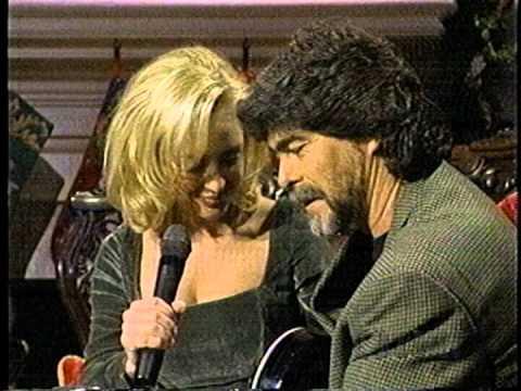 "Randy Owen and Mindy McCready sing ""Feels So Right"""