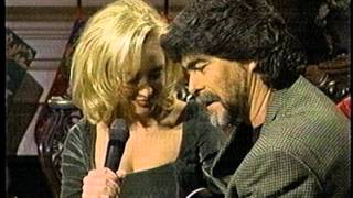 "Randy Owen and Mindy McCready sing ""Feels So Right"""