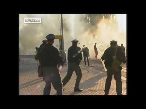 Válka v ulicích Prahy MMF 2000