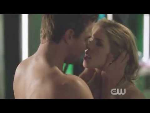 Oliver y Felicity - hacen el amor  Arrow temporada  5