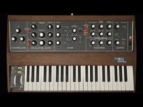 Moog 1973 Model D Minimoog analogue synthesizer demo & tutorial