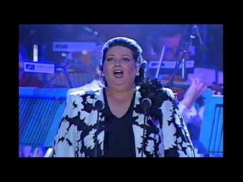 Montserrat Caballé;  Casta Diva;  Norma;  Bellini;  Liverpool 1992