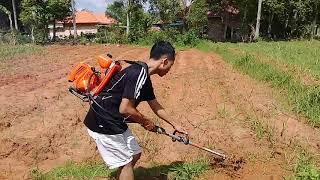 Download Video CANGGIH - Mesin Penyiang rumput dan Penggulut Sederhana MP3 3GP MP4