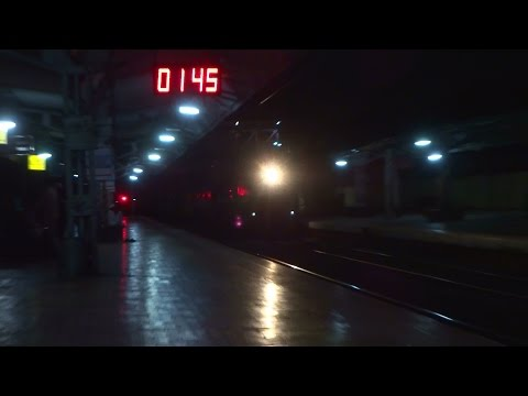 EMD Monster Attacks in the Midnight : LTT - Coimbatore Express Smashes Pimpri at 1:45 AM !!!