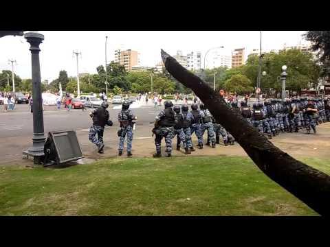 Represión policial en la municipalidad de La Plata 08/01/16