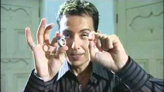 Repeat youtube video Cyril's magic lesson - rubber band and Ring trick