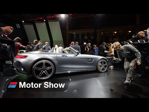 2017 Mercedes-AMG GT Roadster at Paris Motor Show - First Look