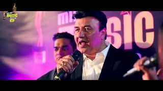 "Anu Malik sings 'Yeh Kaali Kaali Aankhen' in ""A Cappella"" style at #MMAwards Red Carpet"