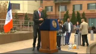 Flight 587 Family Member Infuriated By Mayor de Blasio