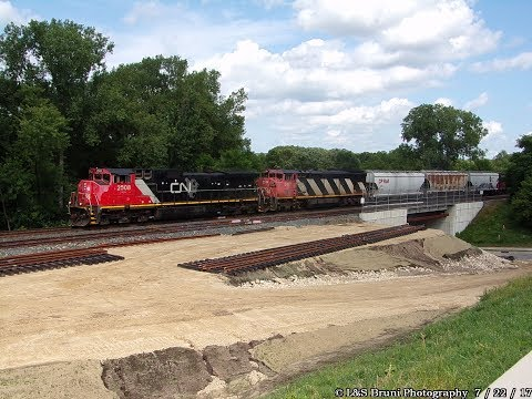 CP381 rolling into Red Wing, MN  7/22/17