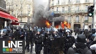 Gilets jaunes Acte 18 - Violence inouïe scènes d'insurrection / Paris - France 16 mars 2019