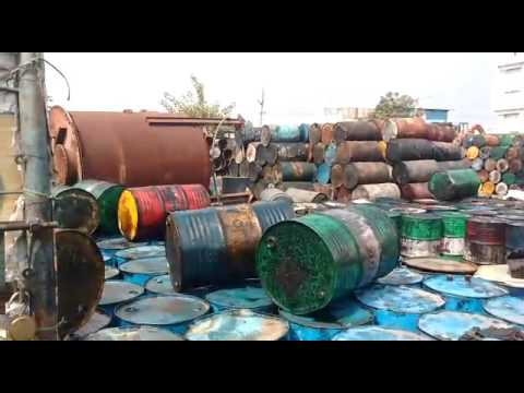 GUNTUR URBAN POLICE CAUGHT ANS SEIZED UNLICENSED OIL RECYCLING COMPANY IN AUTONAGAR