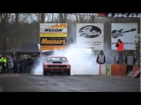 Wayne Grimmer burns rubber