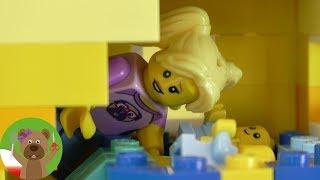 Rodzinka LEGO | Co robią Lisa, Tom i bliźniaki?