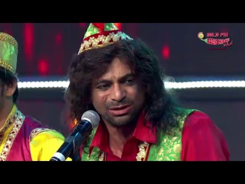 Qawali, Sunil Grover Style At Royal Stag Mirchi Music Awards!