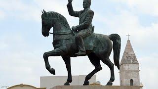 تونس.. السبسي يعيد تمثال بورقيبة لمكانه الأصلي