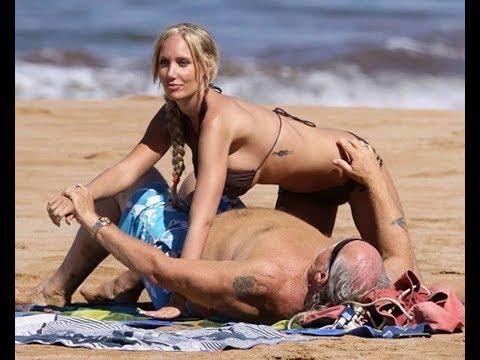 Звездные старики и их молодые пассии на пляже