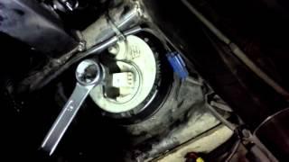 Démontage Rapide d'une Pompe à Essence sur Xmax phase 1