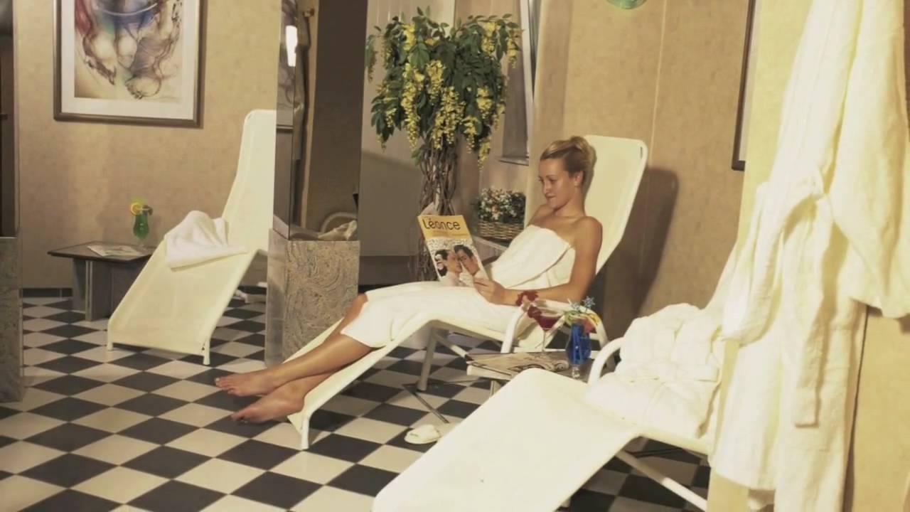 video wellness oase in berlin wellnessurlaub hauptstadt youtube. Black Bedroom Furniture Sets. Home Design Ideas