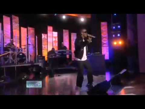 Jamie Foxx Sings his #1 Hit