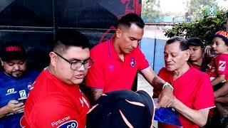 Los panameños Felipe Baloy y Blas Pérez firman el álbum mundialista de los aficionados