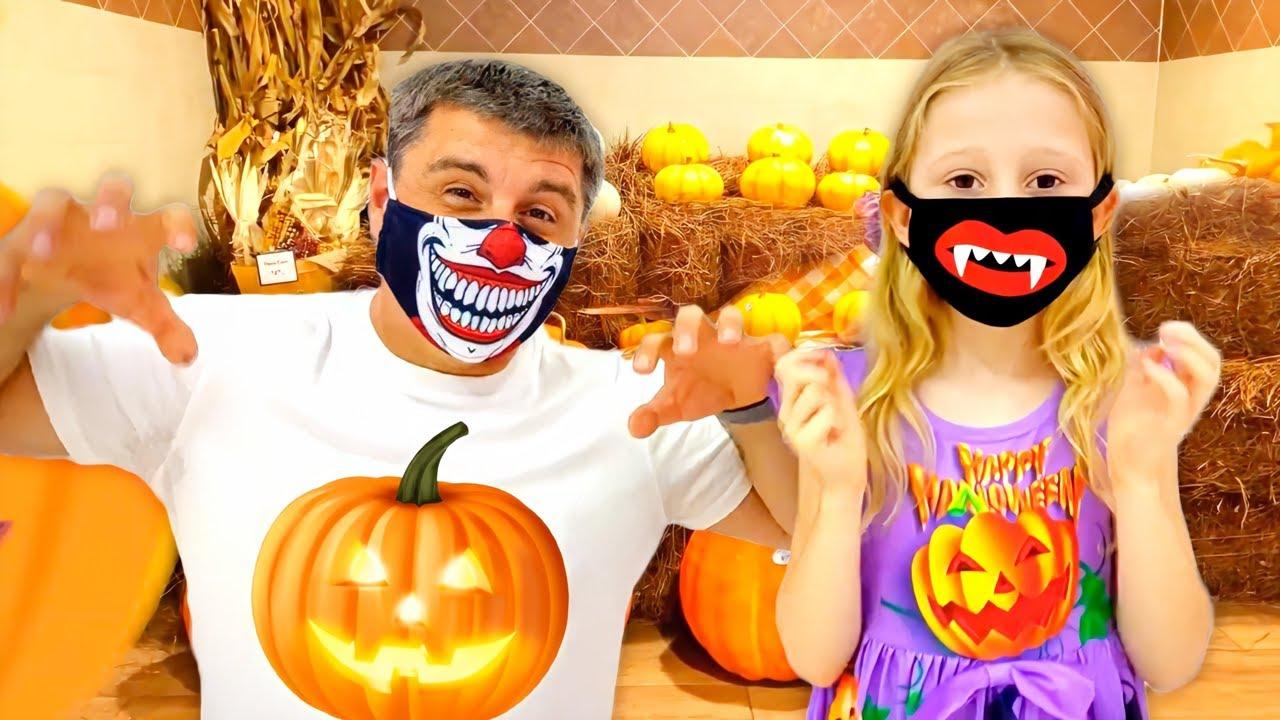 Nastya y papá se visten y hacen compras misteriosas para Halloween