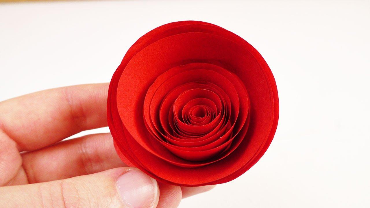 rote rosen aus papier basteln schnelle und einfache. Black Bedroom Furniture Sets. Home Design Ideas