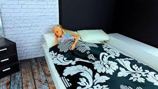 ПОМОГЛА ПОДРУГЕ ! Кен и Барби В САЛОНЕ КРАСОТЫ - Играем в куклы