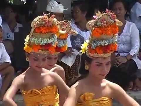 Balinese Hindu ritual - Beautiful blend of art, culture & religion in heaven