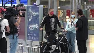 Viajeros en Düsseldorf, Alemania, en el primer día del plan piloto de turismo de Baleares