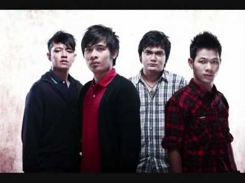 D'Bagindas - Suka Sama Kamu (with Lyrics) Best View