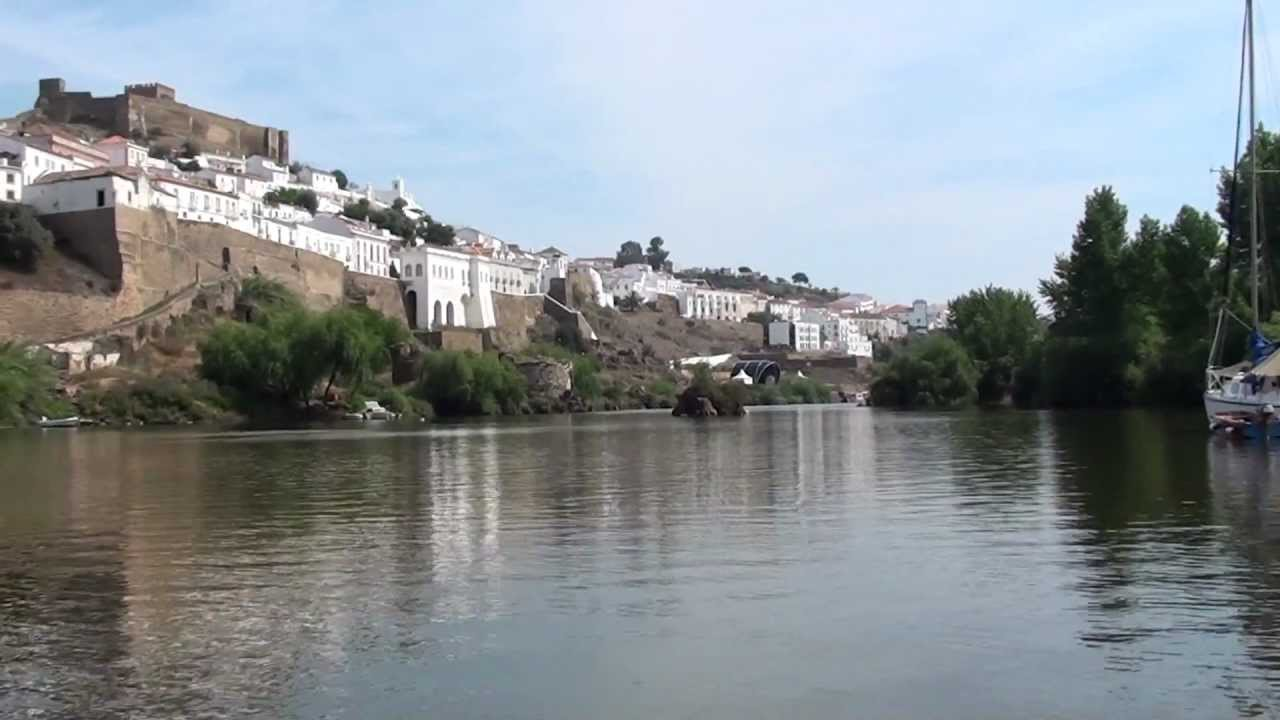 A trip down the river Guadiana by dinghy, from Mértola in Portugal to Pomarão
