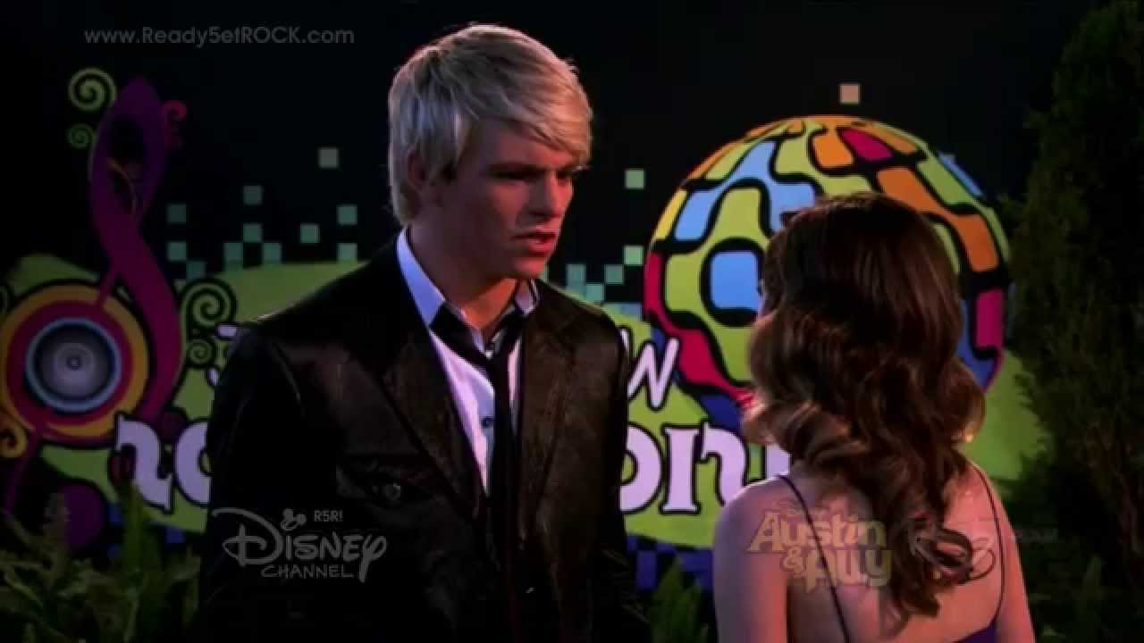 from Alex are austin and ally still dating in the show