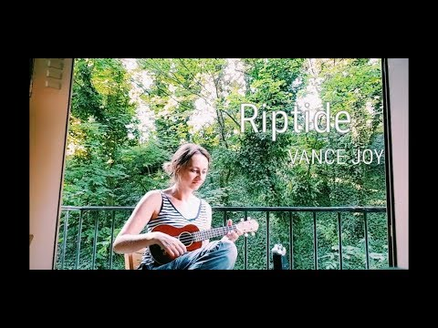 Riptide- Vance Joy (ukulele cover by Klervia)