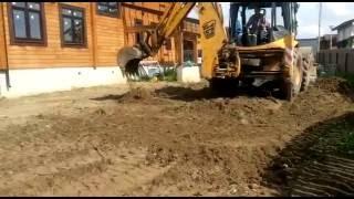 Снятие растительного грунта трактором, избавление от сорняков(Тракторист производит планировку участка в Истринском районе, на первом этапе он снимает растительный..., 2016-06-02T13:24:12.000Z)