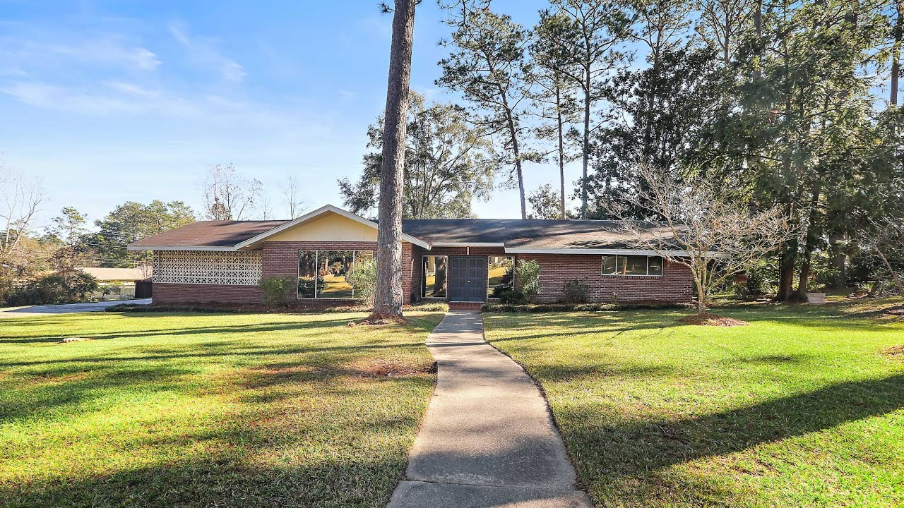 1204 Estelle St - House for Sale in Hattiesburg, Mississippi - Kristina Porcello | Hub City Realty
