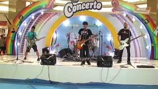 Dindapobia - Jangan Jadi Pecundang (Campina Concerto #MyMusicMyDanceSurabaya 2012) Thumbnail