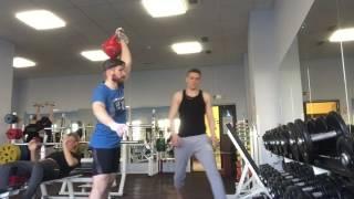 #тренировкигиревиков: тренировка рывка 32 кг. 8 минут - 160 подъемов: 120 на 40