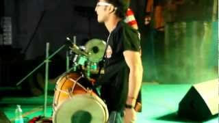 Download Hindi Video Songs - TANMOY SAADHAK BLASTING D STAGE WITH HIS DHOL