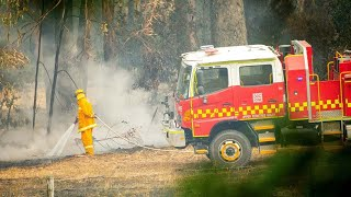 South Turramurra fire downgraded to 'watch and act'